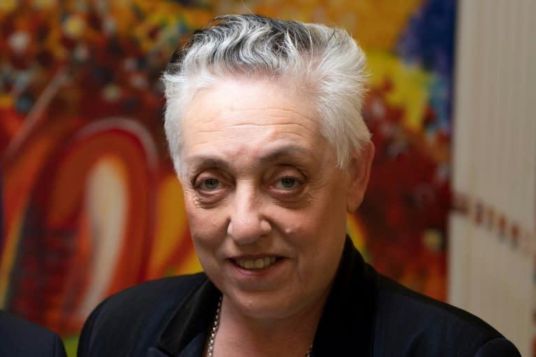 Top Paris theatre fires British artistic director