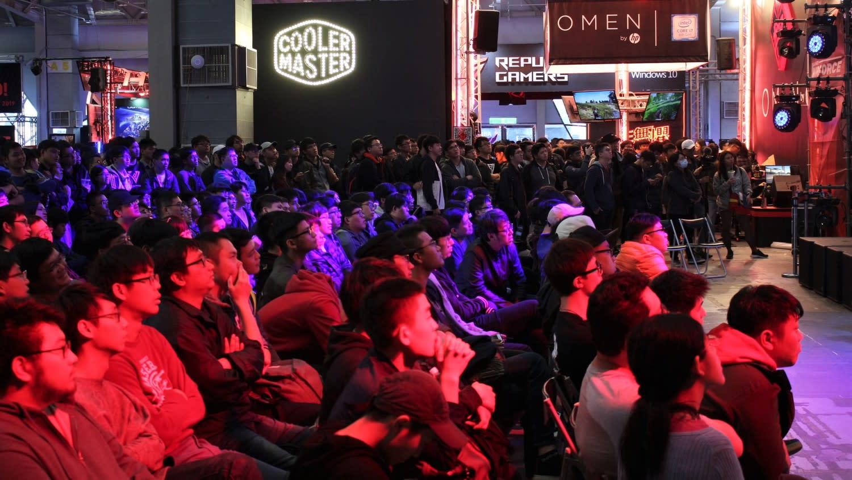 現場吸引大量觀眾觀賽。