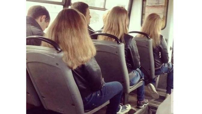 6 Kejadian Tak Disengaja di dalam Bis Ini Bikin Senyum (sumber: Boredpanda)
