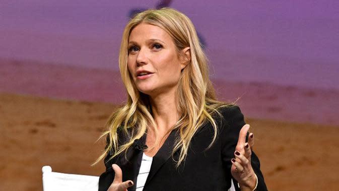 Di tahun 2014 silam Gwyneth Paltrow mengumumkan perceraiannya dengan Chris Martin namun baru resmi pada akhir tahun 2016 lalu. Gwyneth pun telah menjalin hubungan dengan pria lain bernama Brad Falchuk. (AFP/Bintang.com)