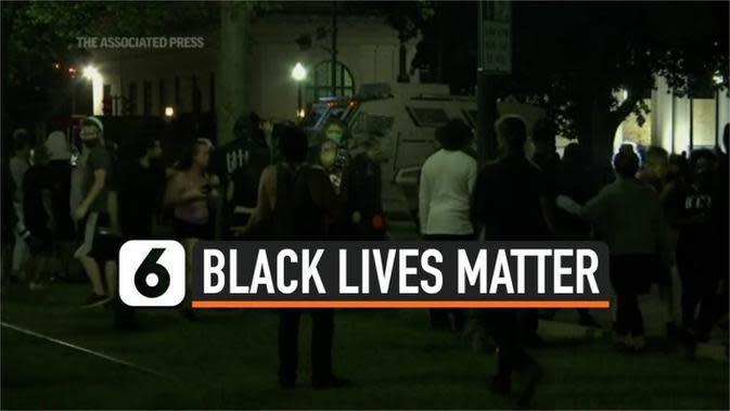 VIDEO: Buntut Penembakan Warga Kulit Hitam oleh Polisi, Wisconsin Dilanda Kerusuhan