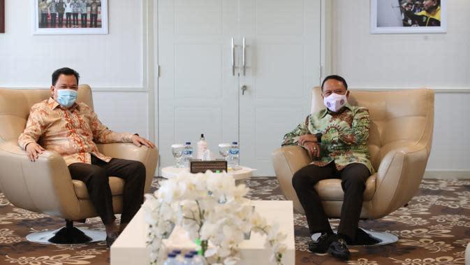 Menpora Zainudin Amali melakukan audiensi Duta Besar Indonesia untuk Bosnia dan Herzegovina, Roem Kono di lantai 10 Kantor Kemenpora, Senayan, Jakarta.