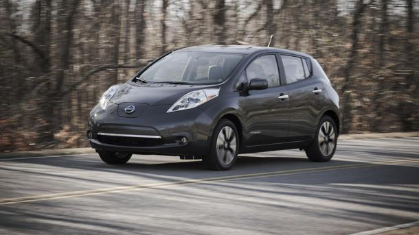 2013 Nissan Leaf, soldiering on undeterred: Motoramic Drives