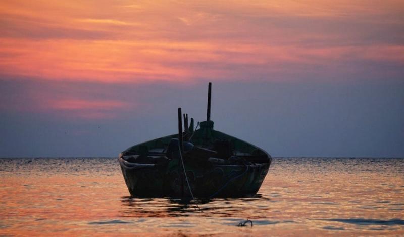 Pantai Ombak Mati dengan sunsetnya yang menawan - foto : www.instagram.com/thisiswulanjarii