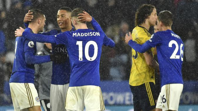 Pemain Leicester City merayakan kemenangan usai melawan Arsenal pada pertandingan lanjutan Liga Inggris di Stadion King Power (10/11/2019). Leicester City menang 2-0 atas Arsenal. (AP Photo / Rui Vieira)