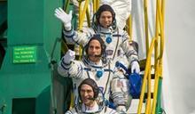 美俄3位太空人回到地球 出任務196天