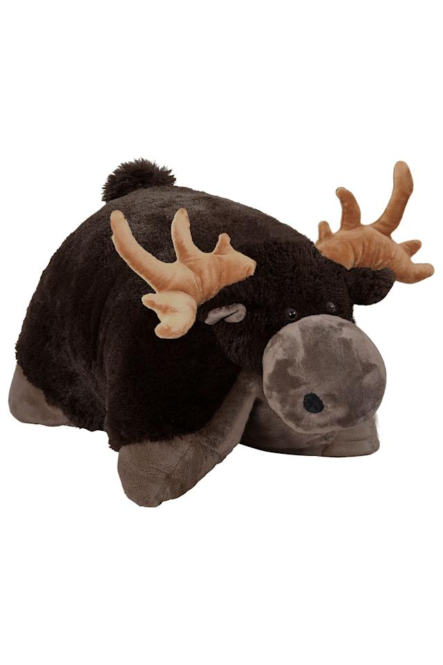 """<p><strong>Pillow Pets</strong></p><p>walmart.com</p><p><strong>$19.99</strong></p><p><a href=""""https://go.redirectingat.com?id=74968X1596630&url=https%3A%2F%2Fwww.walmart.com%2Fip%2F21841358&sref=https%3A%2F%2Fwww.elle.com%2Ffashion%2Fg28509176%2Fcozy-gift-guide%2F"""" target=""""_blank"""">Shop Now</a></p><p>""""I guess it's time to admit this to The Entire Internet: When the stay-at-home order first went into place, I pulled down my Pillow Pet from a very high shelf in my closet. At the time, I was apart from my partner and figured a little bit of plushy comfort couldn't hurt. Since then, my Pet has transitioned into a great back support pillow on the days I can't be bothered to leave my bed. And really, as childish as it may seem, it's been providing a bit of whimsy and un-ironic joy during a time that can be sorely lacking in both.""""– Madison Feller, Digital Staff Writer</p>"""