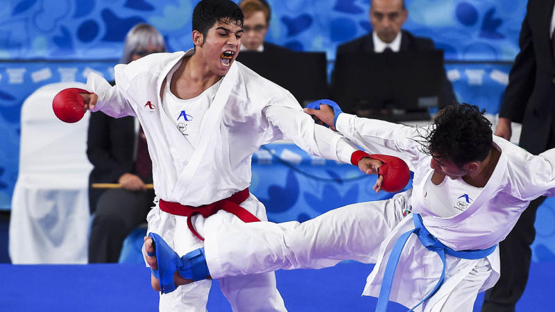 Navid Mohammadi fights Nabil Ech-Chaabi at the Youth Olympic Games 2018. (Photo by Marcelo Endelli/Getty Images)