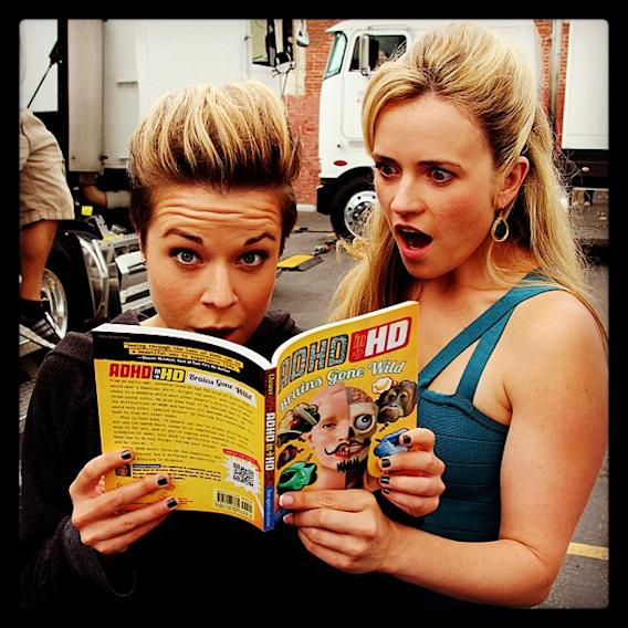 Mac & Madison catch up on reading between takes of @TheVeronicaMarsMovie