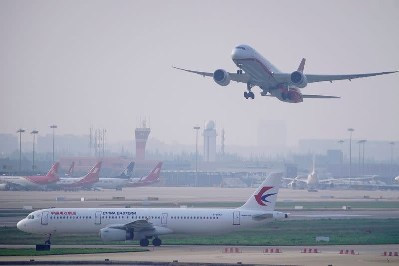 U.S. will allow Chinese passenger carriers two flights per week