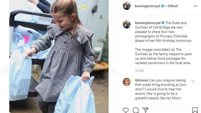 Putri Charlotte tampak tersenyum manis dengan mengenakan baju biru lengkap dengan kaus kaki panjang dan sepatu hitam (Dok.Instagram/@kensingtonroyal/https://www.instagram.com/p/B_qQ7lDF-88/Komarudin)