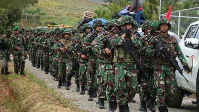 Ternyata Pasukan Ular Piton Hijau TNI Ksatria Siap Perang di Papua