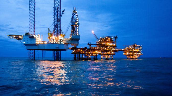 Perusahaan-perusahaan hulu migas sering dianggap hanya berperan menyediakan pasokan energi dan menghasilkan penerimaan negara