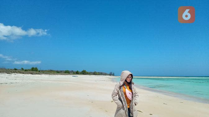 Pesona Pantai Bahansalit, Surga Tersembunyi di Pulau Semau NTT