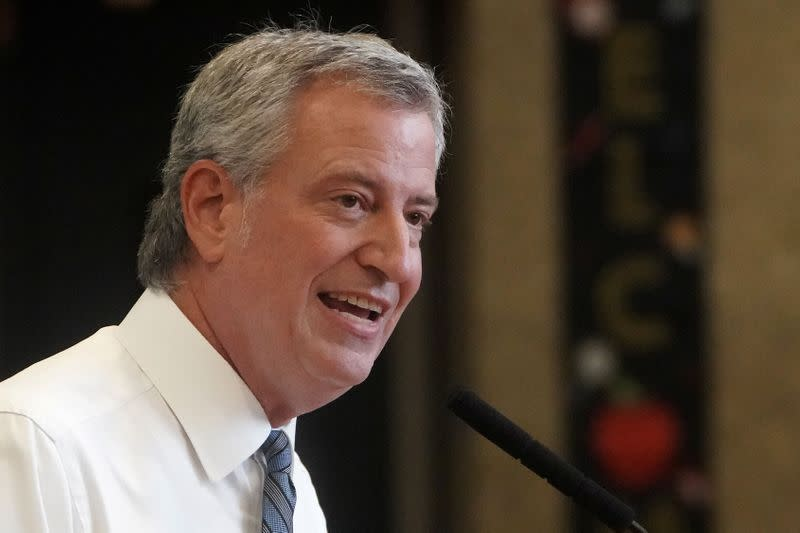NYC mayor furloughs staff, self, for week to close pandemic-linked budget gap