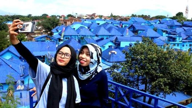 6 Kampung Indah yang Bernuansa Serba Biru. (Sumber: Merdeka.com/Darmadi Sasongko)