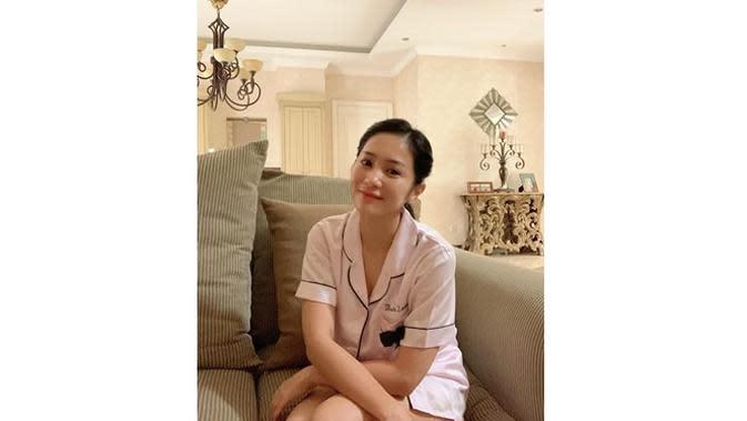 6 Potret Bunga Zainal Tampil Tanpa Makeup, Curi Perhatian (sumber: Instagram.com/bungazainal05)