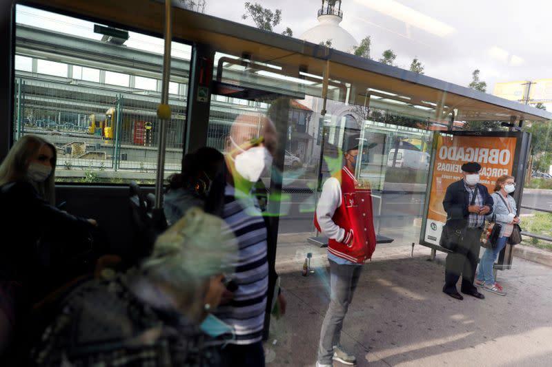 Localised coronavirus outbreaks in Lisbon worry authorities