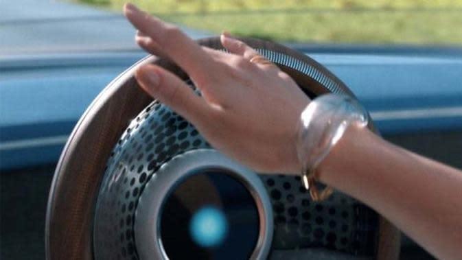 Cukup Ketuk Setir, Ini Gaya Berkendara Futuristis Mobil Honda