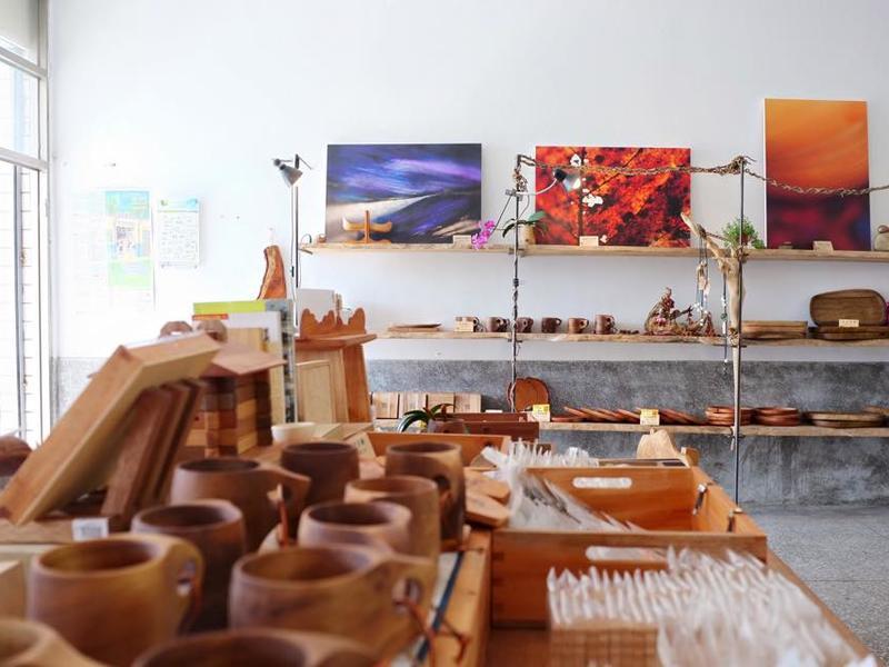 全台最美海岸線 多良村裡的「向陽薪傳木工房」