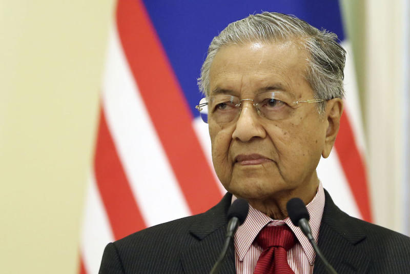 Prime Minister Tun Dr Mahathir Mohamad published today several lines of poetry, taking a jab at his predecessor Datuk Seri Najib Razak and the latter's newfound 'Bossku' persona. — Picture by Yusof Mat Isa