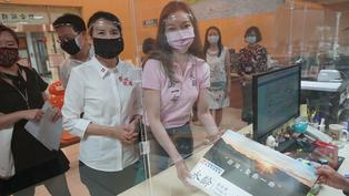 新冠疫苗危機中台灣陷外交與執政窘態, 民間組織如何助力