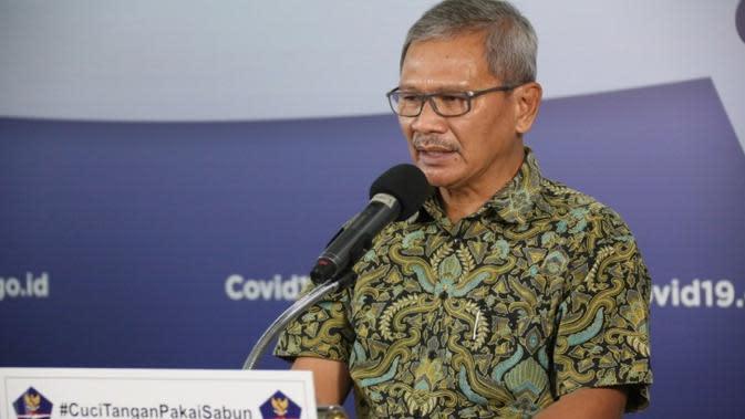 Juru Bicara Penanganan COVID-19 di Indonesia, Achmad Yurianto saat konferensi pers Corona di Graha BNPB, Jakarta, Sabtu (25/4/2020). (Dok Badan Nasional Penanggulangan Bencana/BNPB)