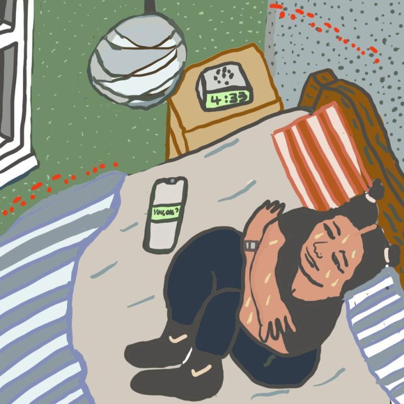Monique menggigil di tempat tidurnya saat larut malam