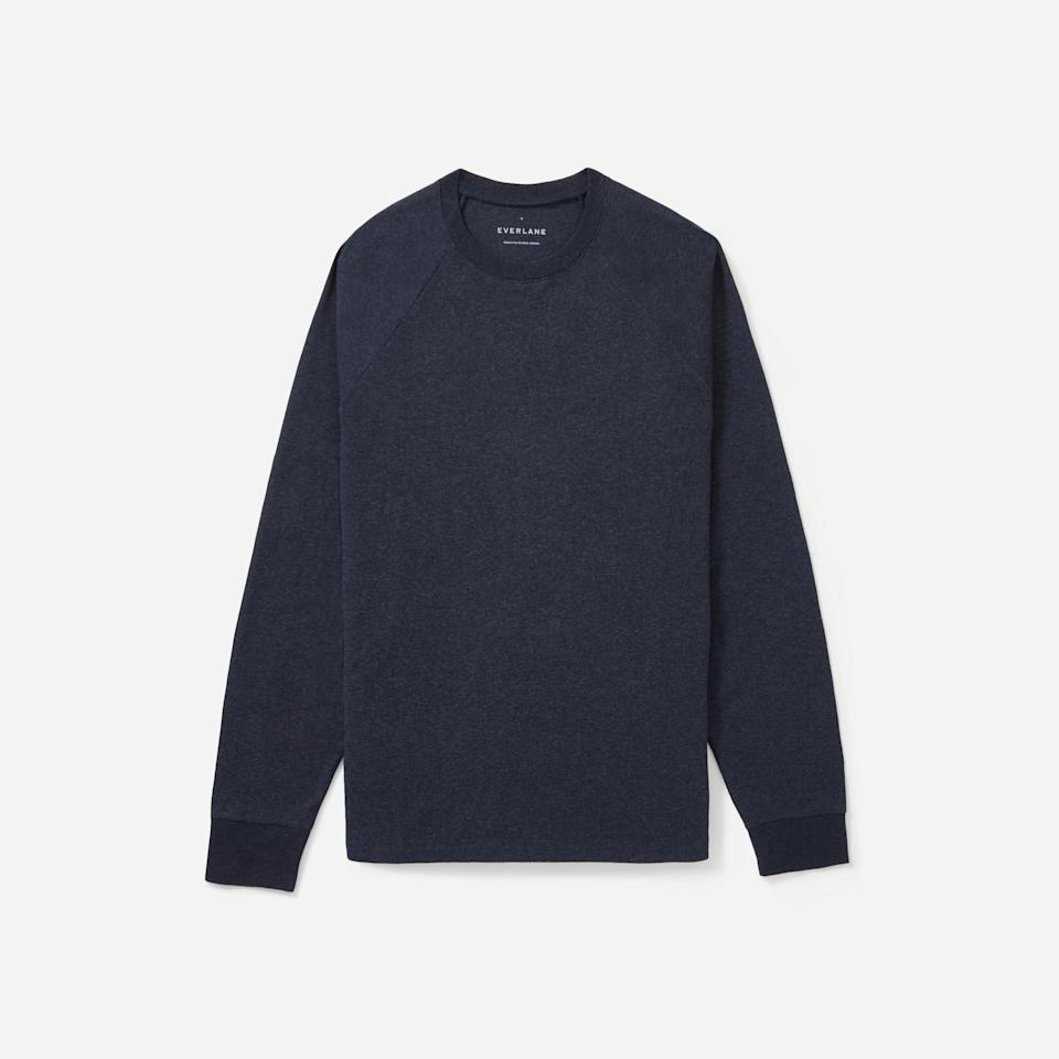 """<p><strong>Everlane</strong></p><p>everlane.com</p><p><strong>$34.00</strong></p><p><a href=""""https://go.redirectingat.com?id=74968X1596630&url=https%3A%2F%2Fwww.everlane.com%2Fproducts%2Fmens-heavyweight-long-sleeve-crew-heathernavy&sref=https%3A%2F%2Fwww.esquire.com%2Fstyle%2Fmens-fashion%2Fg31452088%2Feverlane-choose-what-you-pay-sale%2F"""" target=""""_blank"""">Buy</a></p><p>... and their long-sleeve counterparts! </p>"""