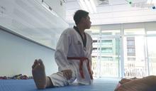 聽障生苦練跆拳道 僅1年多奪8獎牌!