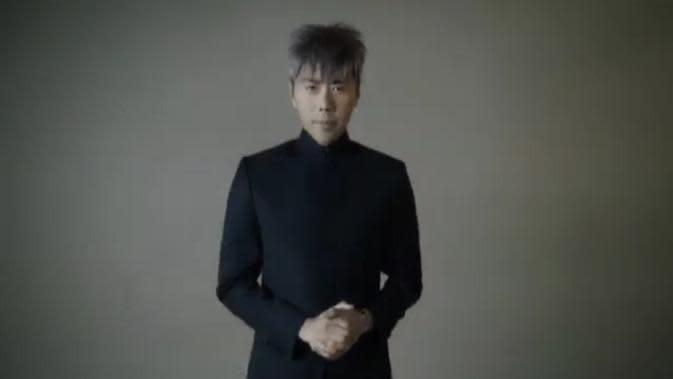 Roy Kiyoshi selama beberapa waktu ini menjadi perhatian publik dengan perubahan wajahnya. (Instagram/@roykiyoshi)