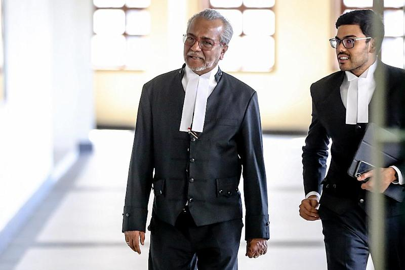 Lawyer Tan Sri Muhammad Shafee Abdullah at the Kuala Lumpur High Court February 17, 2020. — Picture by Firdaus Latif
