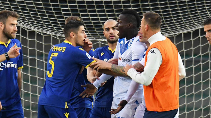 Mario Balotelli Brescia Calcio reacts to racist chants from Verona fans during the Serie A match. (Photo by Alessandro Sabattini/Getty Images)
