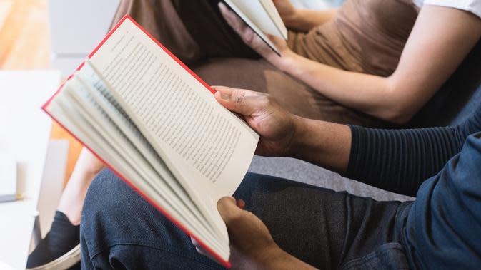 Ilustrasi Membaca Buku Credit: pexels.com/Burst