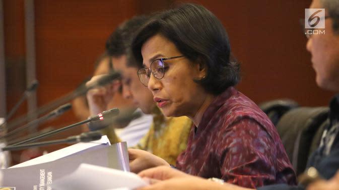 Menteri Keuangan Sri Mulyani saat konferensi pers APBN KiTa Edisi Feb 2019 di Jakarta, Rabu (20/2). Realisasi defisit APBN pada Januari lebih tinggi dari periode yang sama tahun lalu mencapai Rp37,7 triliun. (Liputan6.com/Angga Yuniar)