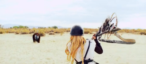 Does Avril Lavigne Kiss Winnie From 'The Wonder Years' in Her New Video?