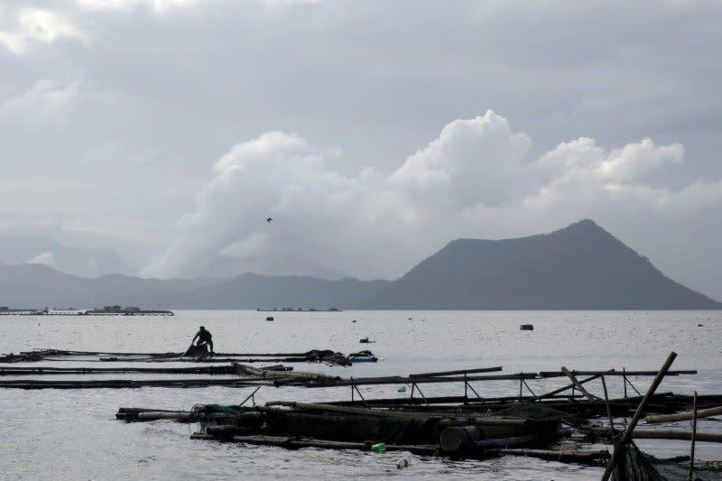 Aktivits Gunung Taal Filipina tunjukkan tanda mereda