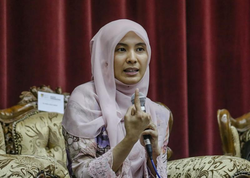 Nurul Izzah's family was a victim of similar circumstances when her father Datuk Seri Anwar Ibrahim, who was the deputy prime minister, was accused and convicted of sodomy and jailed multiple times. — Picture by Firdaus Latif