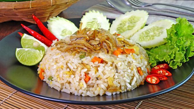 ilustrasi nasi goreng spesial/copyright by Mark Brandon (Shutterstock)