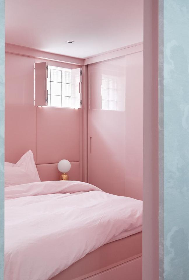 "<p>Finnish shoe designer Minna Parikka created a <a href=""https://www.elledecor.com/design-decorate/house-interiors/a13083285/minna-parikka-helsinki/"" target=""_blank"">pink monochromatic retreat</a>, from the ceiling to the padded leather headboard wall. <br></p>"