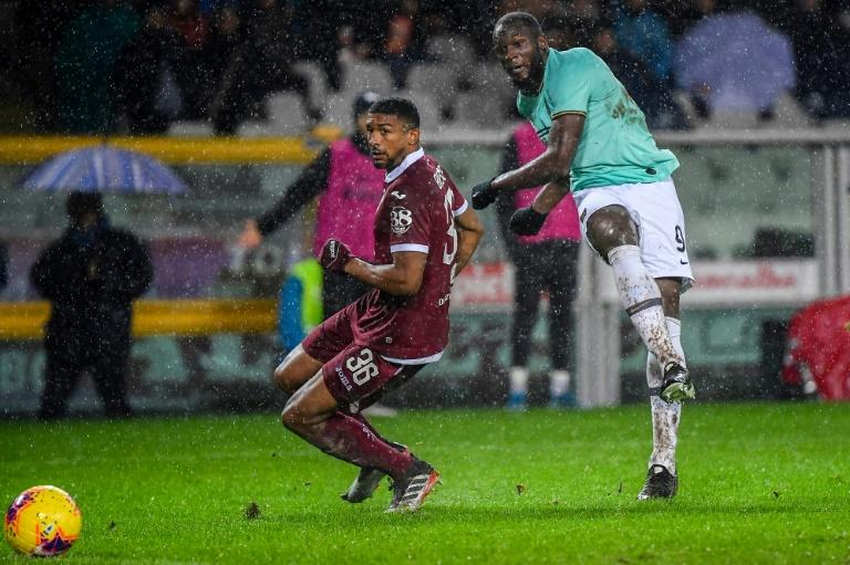 Romelu Lukaku (R) has scored ten goals in 13 league games for Inter Milan
