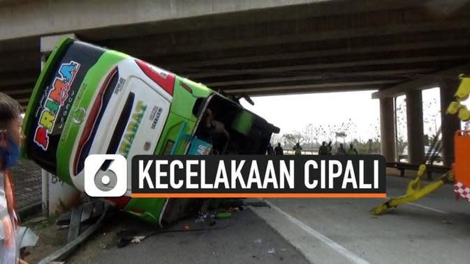 VIDEO: Kecelakaan Beruntun Tol Cipali Akibat Sopir Bus Ugal-ugalan