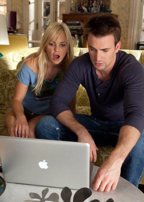 """In this image released by 20th Century Fox, Anna Faris, left, and Chris Evans are shown in a scene from """"What's Your Number?"""" (AP Photo/20th Century Fox, Claire Folger)"""