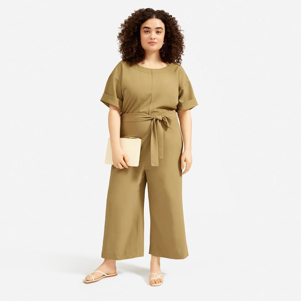 "<p><strong>Everlane</strong></p><p>everlane.com</p><p><a href=""https://go.redirectingat.com?id=74968X1596630&url=https%3A%2F%2Fwww.everlane.com%2Fproducts%2Fwomens-jpnse-goweave-ss-jumpsuit-olive&sref=https%3A%2F%2Fwww.elle.com%2Ffashion%2Fshopping%2Fg32465421%2Feverlane-choose-what-you-pay-sale-may-2020%2F"" target=""_blank"">SHOP IT </a></p><p><del>$130</del><strong><br>$52-$78</strong></p><p>Made with a lightweight wrinkle-resistant fabric, Everlane's Japanese GoWeave jumpsuit is a happy medium between cozy sweats and, you know, real clothes.</p>"