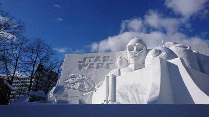Ada Star Wars di Sapporo Snow Festival di Hokkaido, Jepang. (Liputan6.com/Dinny Mutiah)