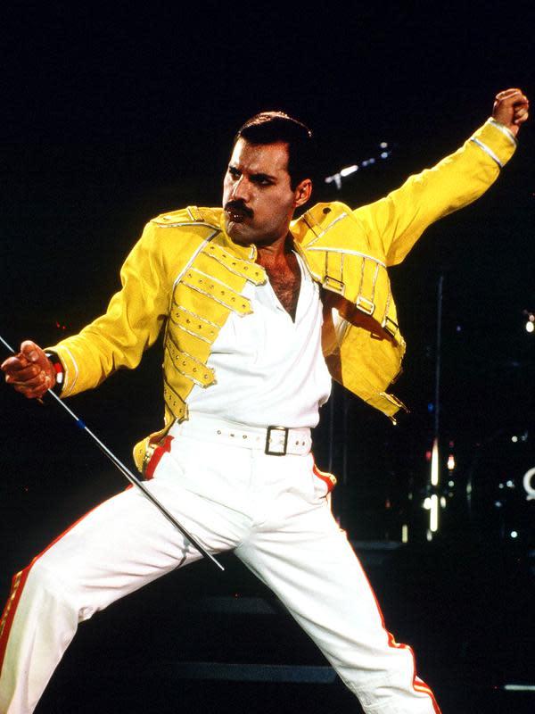 Menguak Sisi Eksentrik Dalam Kehidupan Freddie Mercury