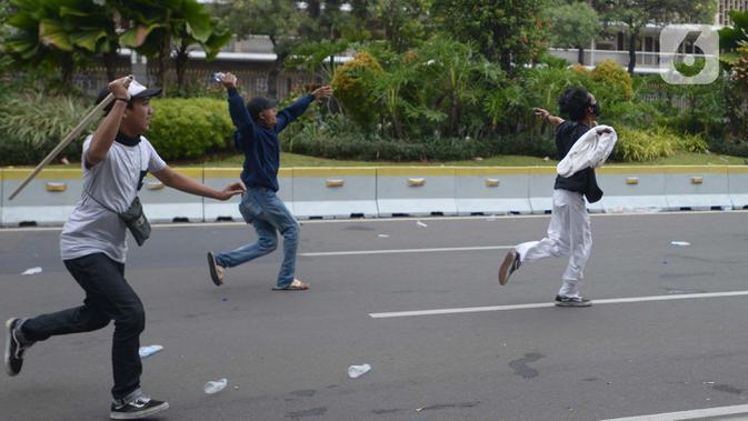 Polisi Buru Dalang Aksi Pelajar Demo UU Cipta Kerja