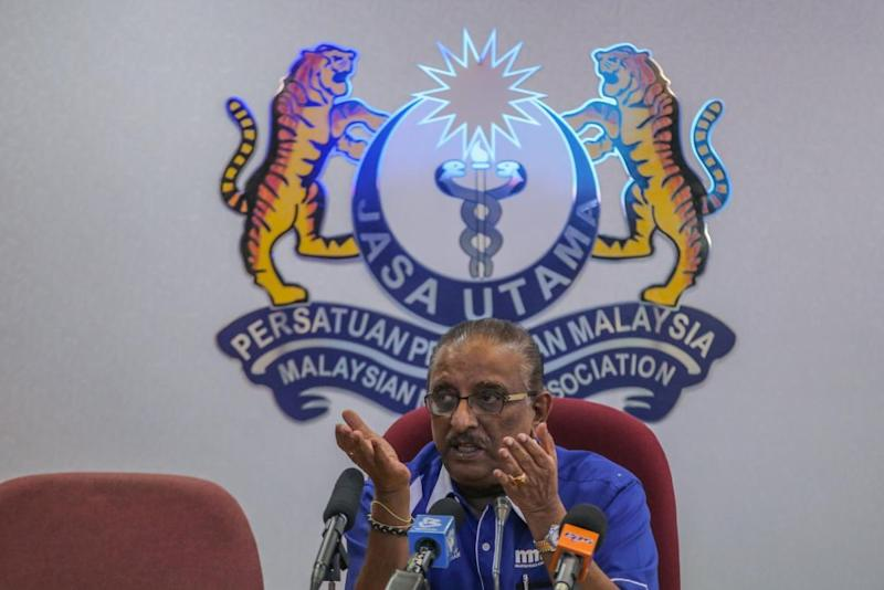 Malaysian Medical Association president Dr N. Ganabaskaran speaks during a press conference in Kuala Lumpur February 21, 2020. — Picture by Hari Anggara