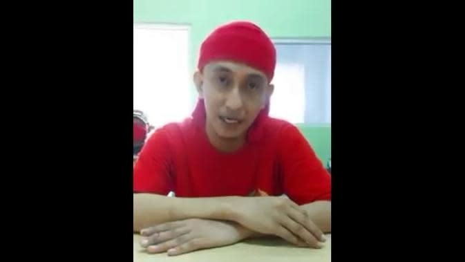 Tangkapan layar video penjelasan Habib Bahar Smith menepis isu bahwa dia bonyok dipukuli petugas Lapas Nusakambangan. (Foto: Liputan6.com/tangkapan layar video)