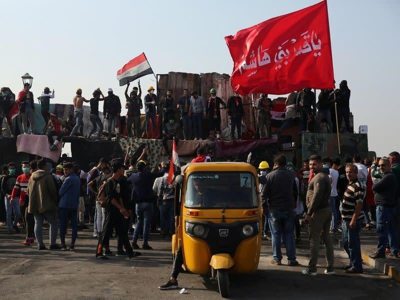 Pengunjuk rasa blokir pelabuhan Irak